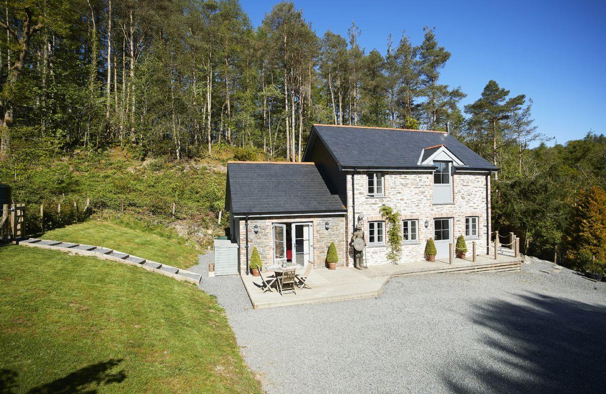Finest Holidays - Wisteria Cottage