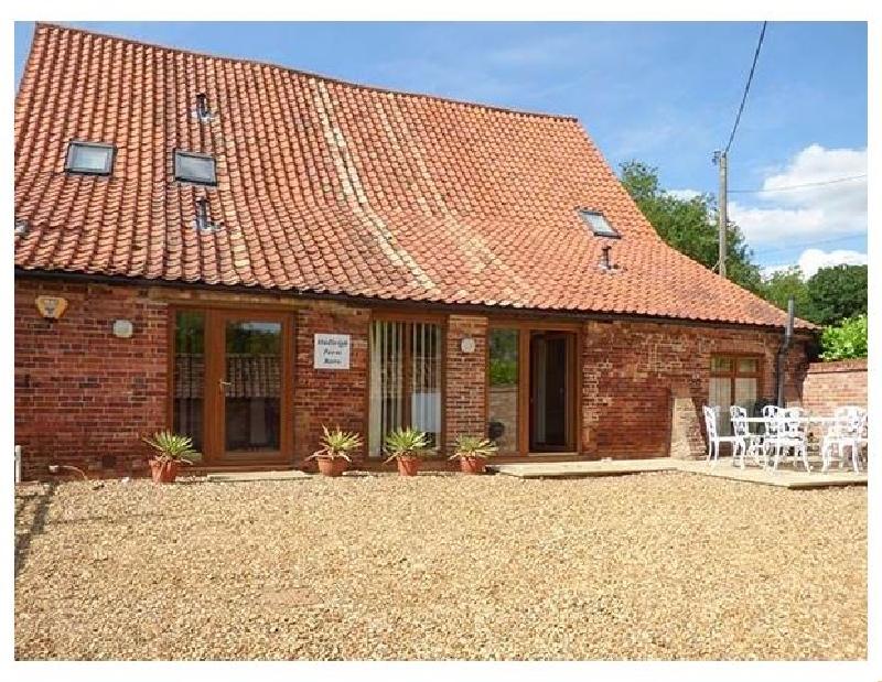 Finest Holidays - Hadleigh Farm Barn