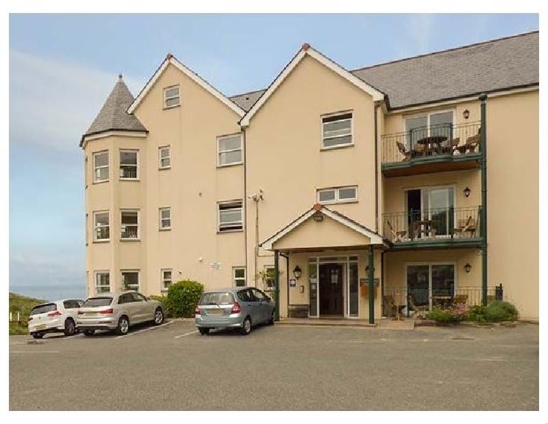 Finest Holidays - 4 Beachcombers Apartments