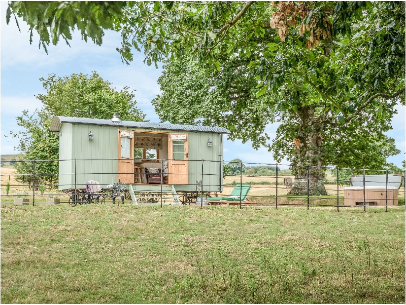 Finest Holidays - Padarn's Hut