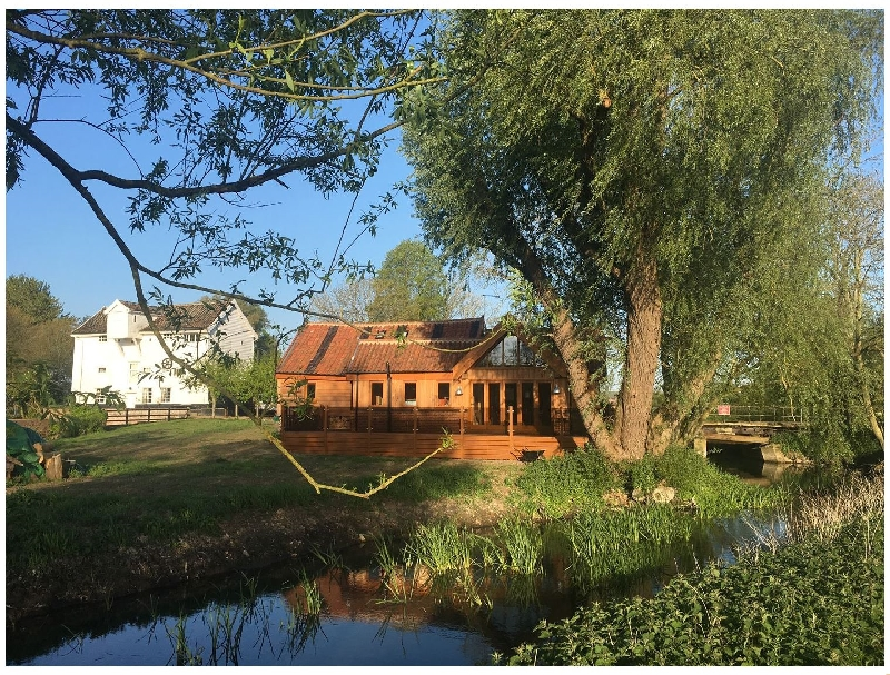 Finest Holidays - Watermill Granary Barn