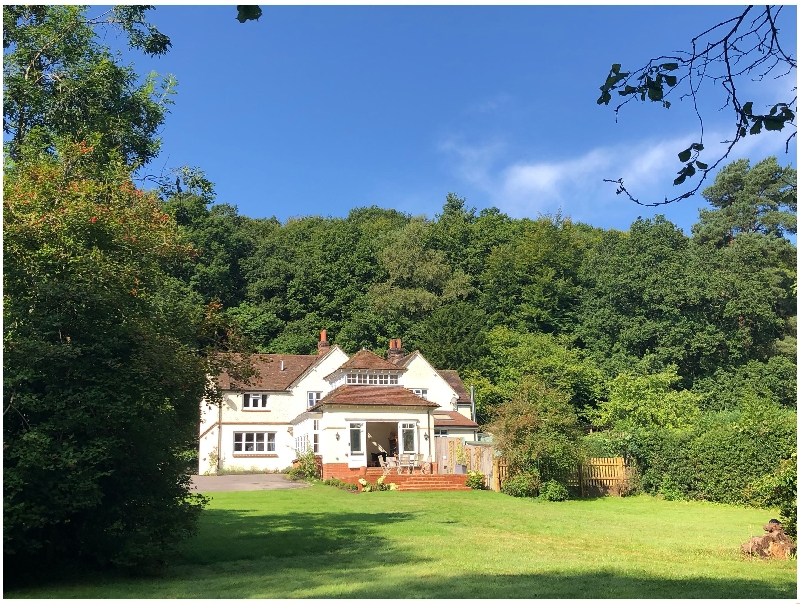 Finest Holidays - Woodhill Cottage