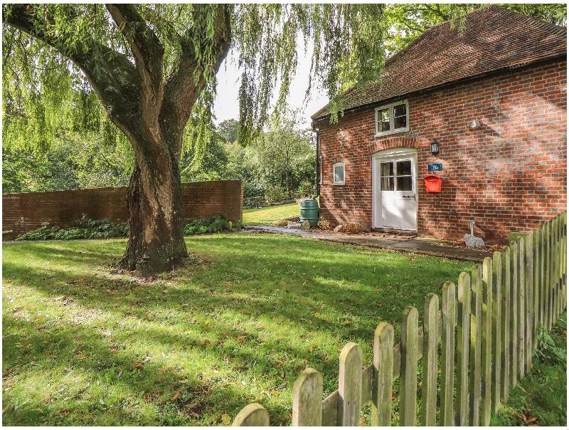 Finest Holidays - Weir Cottage